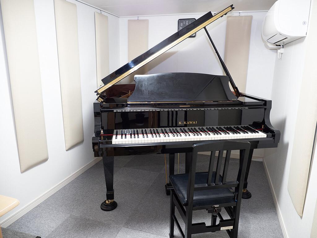 レッスン室 ピアノ